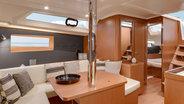 Interieur van Sunsail 41.1 monohull met 3 cabines